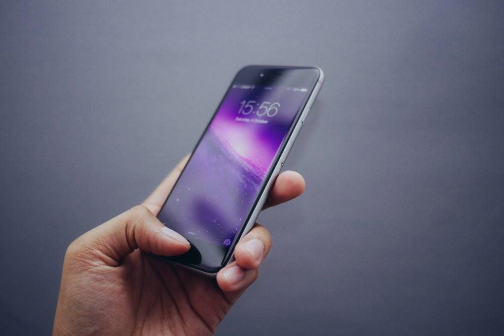 Smartfony przyszłości mogą mieć ekrany dotykowe zrobione z przezroczystego srebra 16