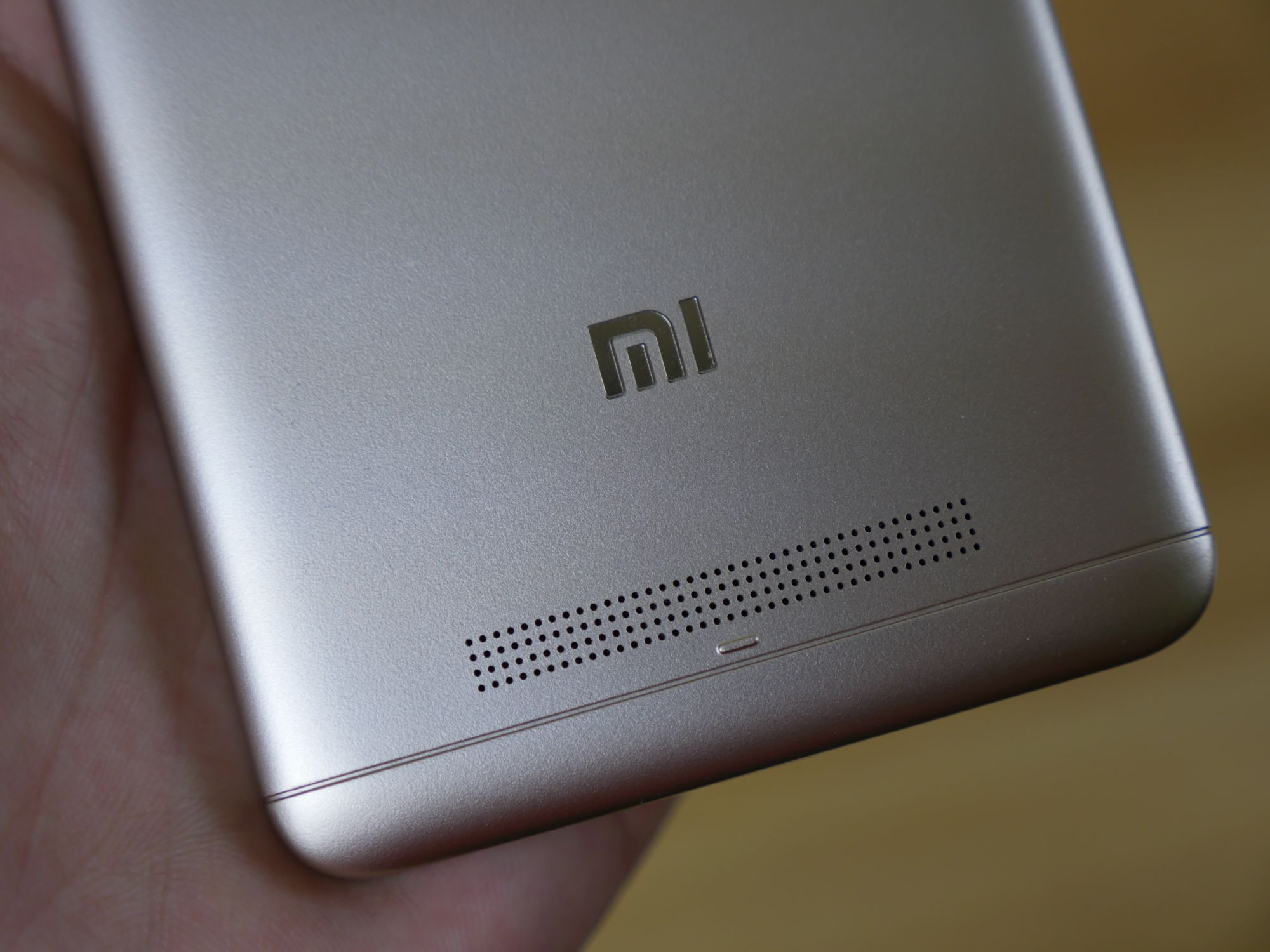 Sprzedaż smartfonów Xiaomi w Polsce rośnie bardzo szybko 24