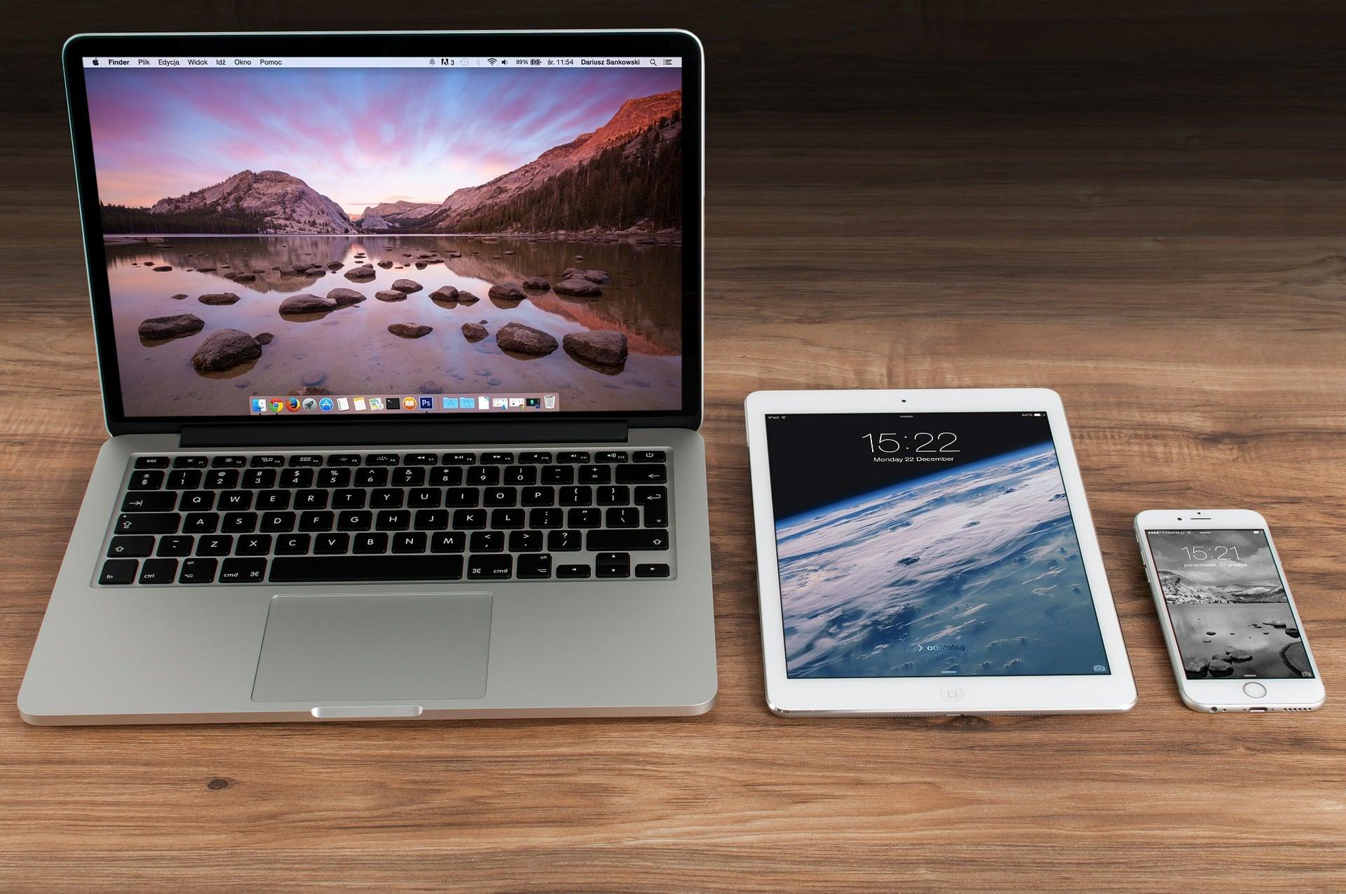 Jeden komunikat Apple i od razu akcje Intela lecą w dół. Chodzi o procesory do MacBooków