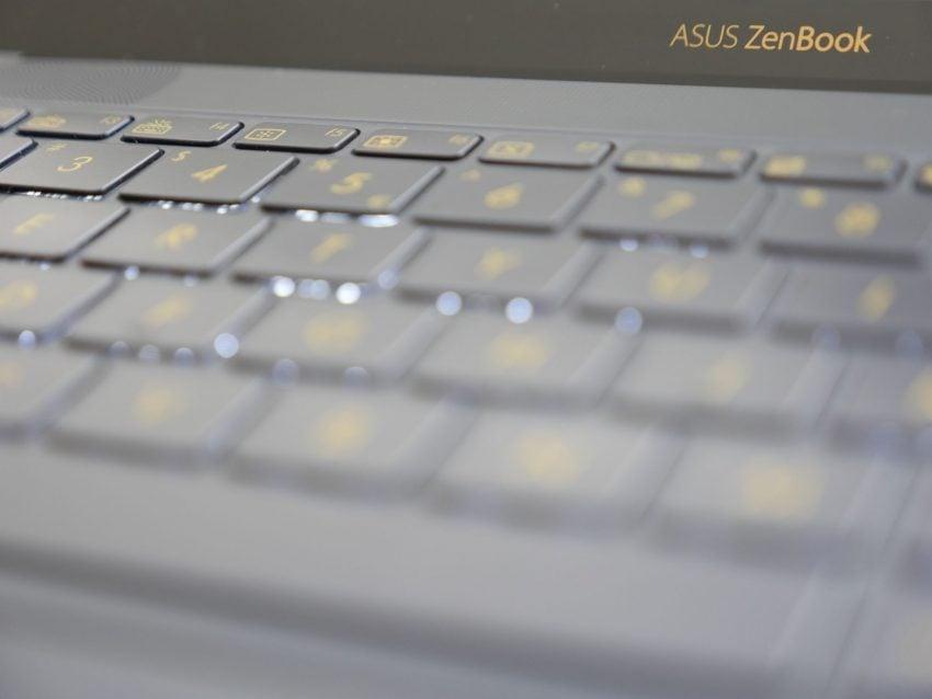 Tabletowo.pl Asus ZenBook 3 UX390UA - urządzenie, bez którego nie ruszam się z domu Asus Laptopy Recenzje Sprzęt Windows