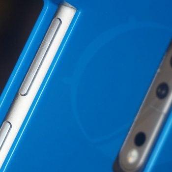 Nokia 9 - krawędź boczna