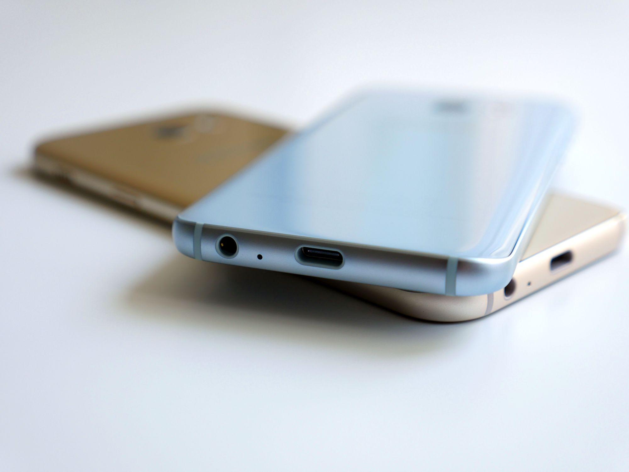 Tabletowo Mniej więcej tak będą wyglądać plecki smartfon³w z serii Galaxy A 2018