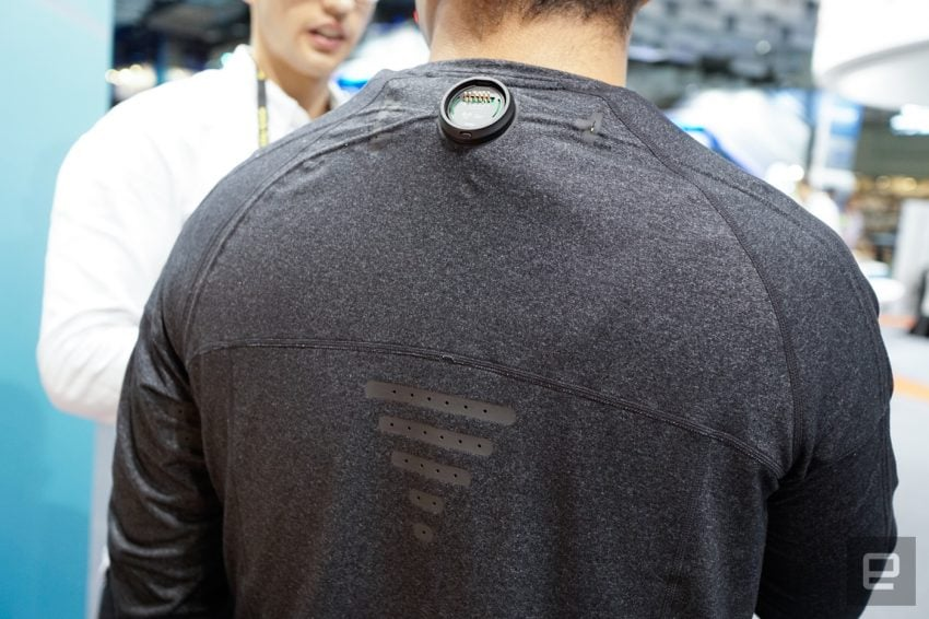 Tabletowo.pl Idealna bluza do wirtualnej rzeczywistości. Nadchodzą ciuchy zsychronizowane z Gear VR Technologie Wearable Wirtualna rzeczywistość