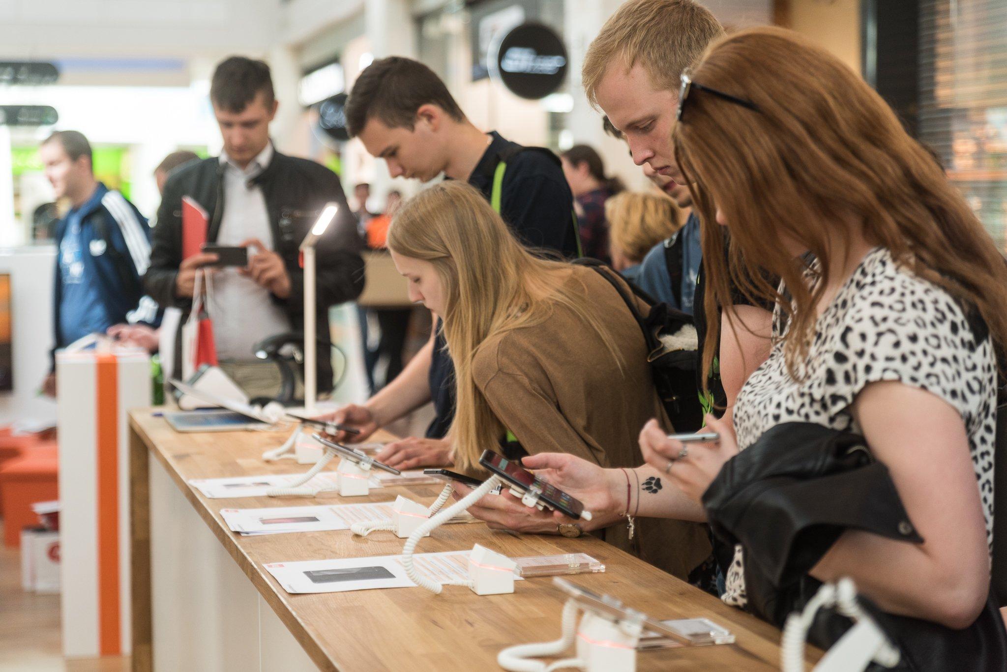 Pierwszy oficjalny salon Xiaomi już w Polsce. To znaczy: salonik. Znaczy... 14