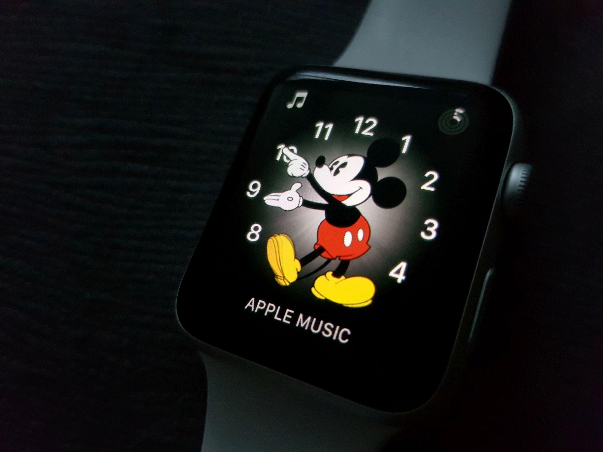 Nie wiadomo dlaczego, sprzedaż Apple Watchy skoczyła o 50% w górę