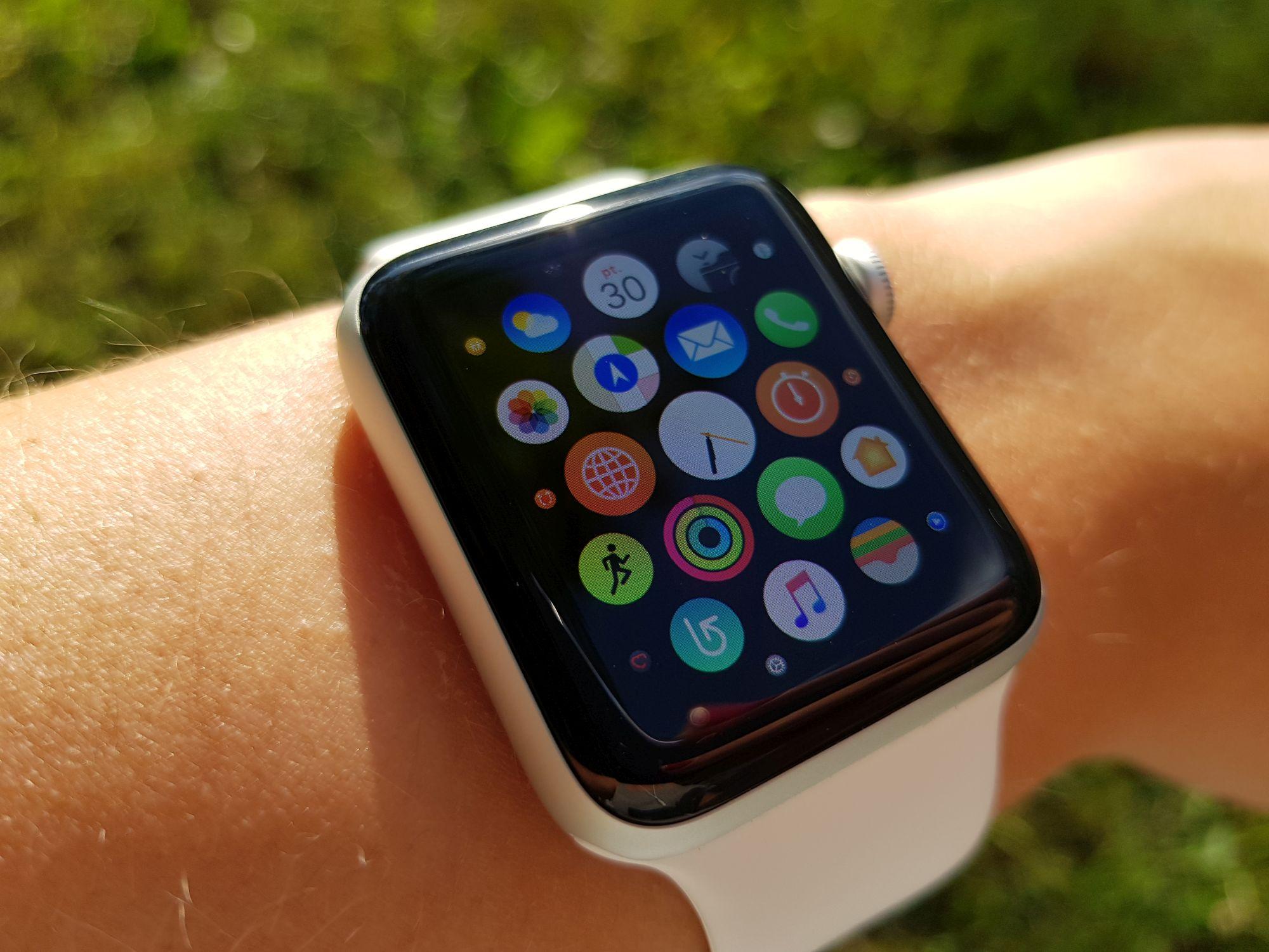 Czegoś takiego jeszcze nie było. To nie jest zwykły pasek do Apple Watch - Aura Band dodaje szereg przydatnych funkcji