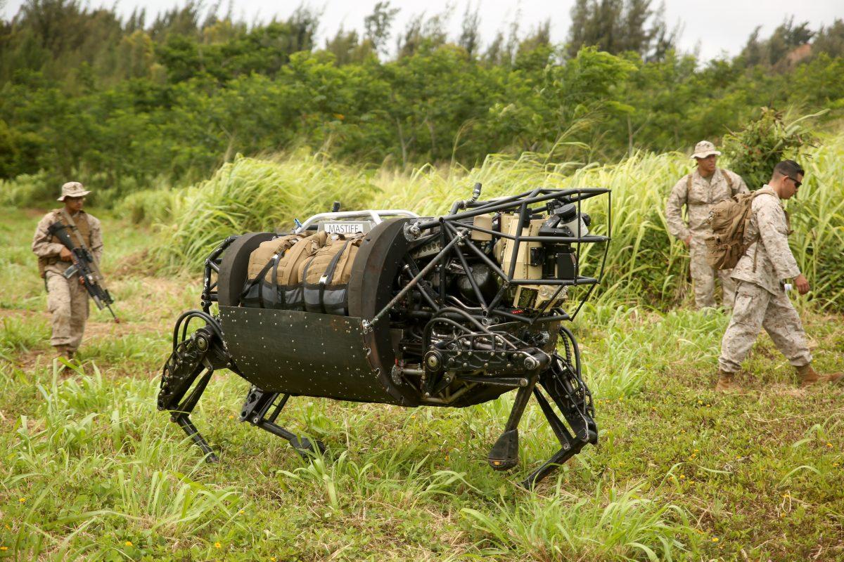 Alphabet sprzedaje Boston Dynamics - firmę, która tworzy te dziwne chodzące roboty 18