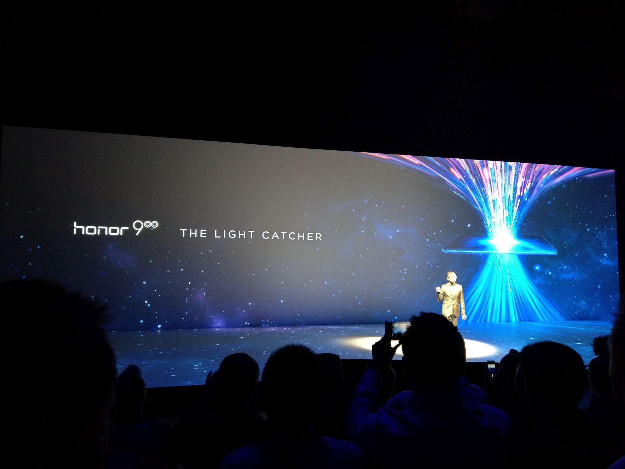 Honor 8 to wciąż najciekawszy smartfon w swojej kategorii cenowej. Jaki jest jego następca, Honor 9?