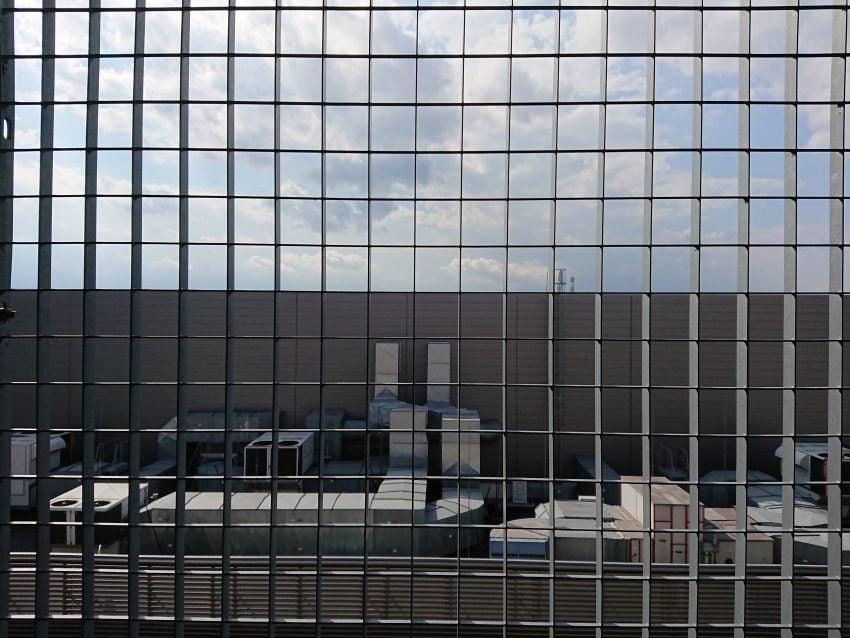Porównanie: Sony Xperia XZ Premium vs LG G6 71