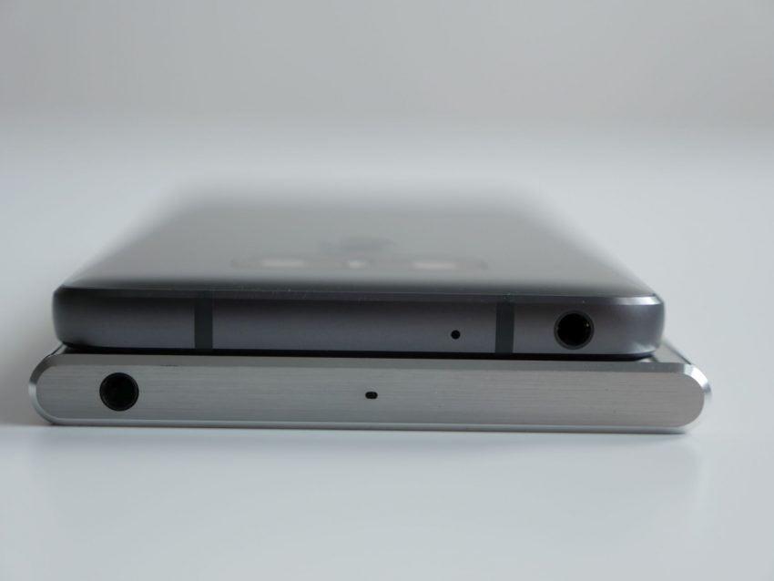 Porównanie: Sony Xperia XZ Premium vs LG G6 27