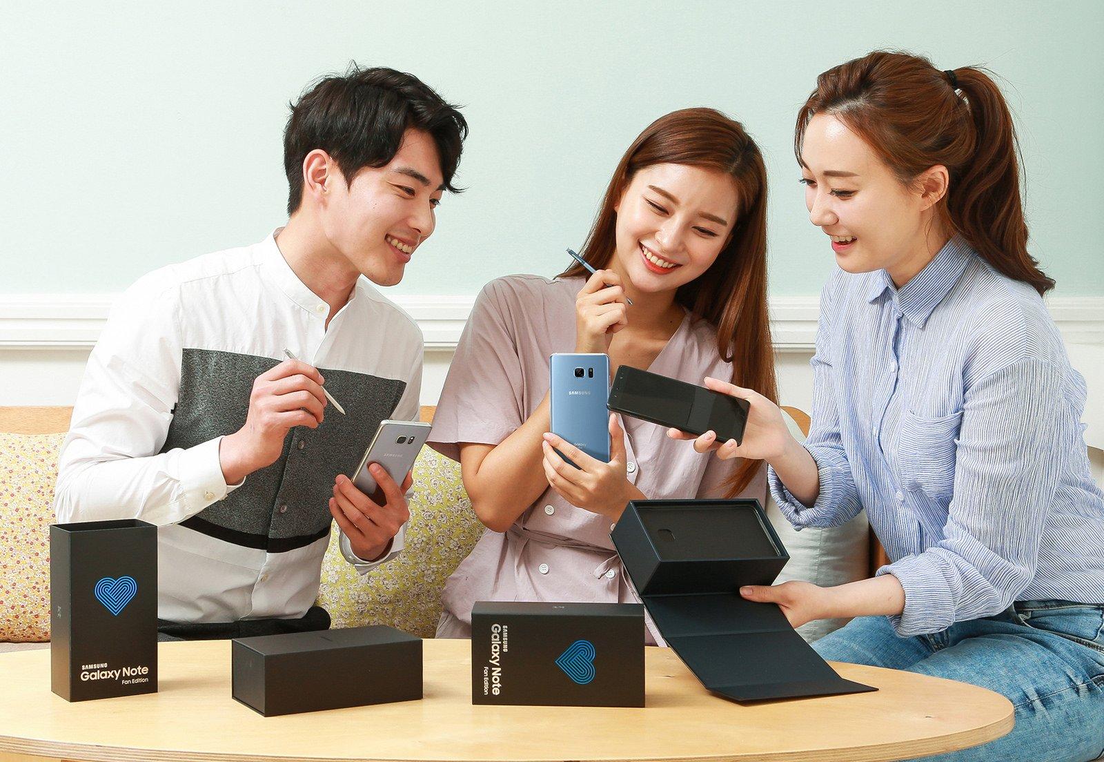Tabletowo.pl Samsung Galaxy Note Fan Edition oficjalnie. Cena, dostępność, różnice Nowości Samsung Smartfony