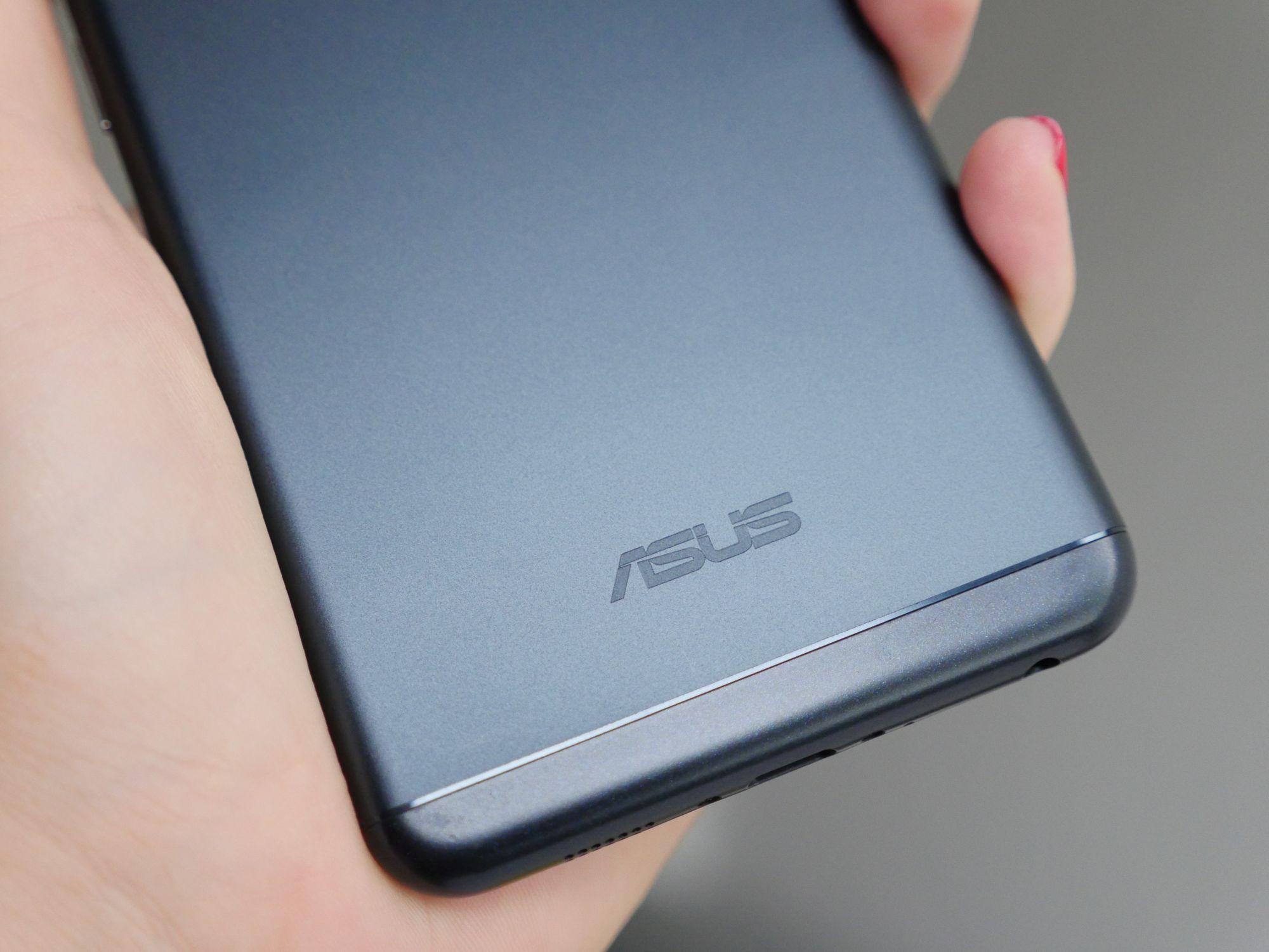 Tabletowo.pl W skrócie: Asus ZenFone 5 z wycięciem w ekranie, Samsung Galaxy S9+ w kolorze Blue Coral na renderze Android Asus Plotki / Przecieki Samsung Smartfony W skrócie