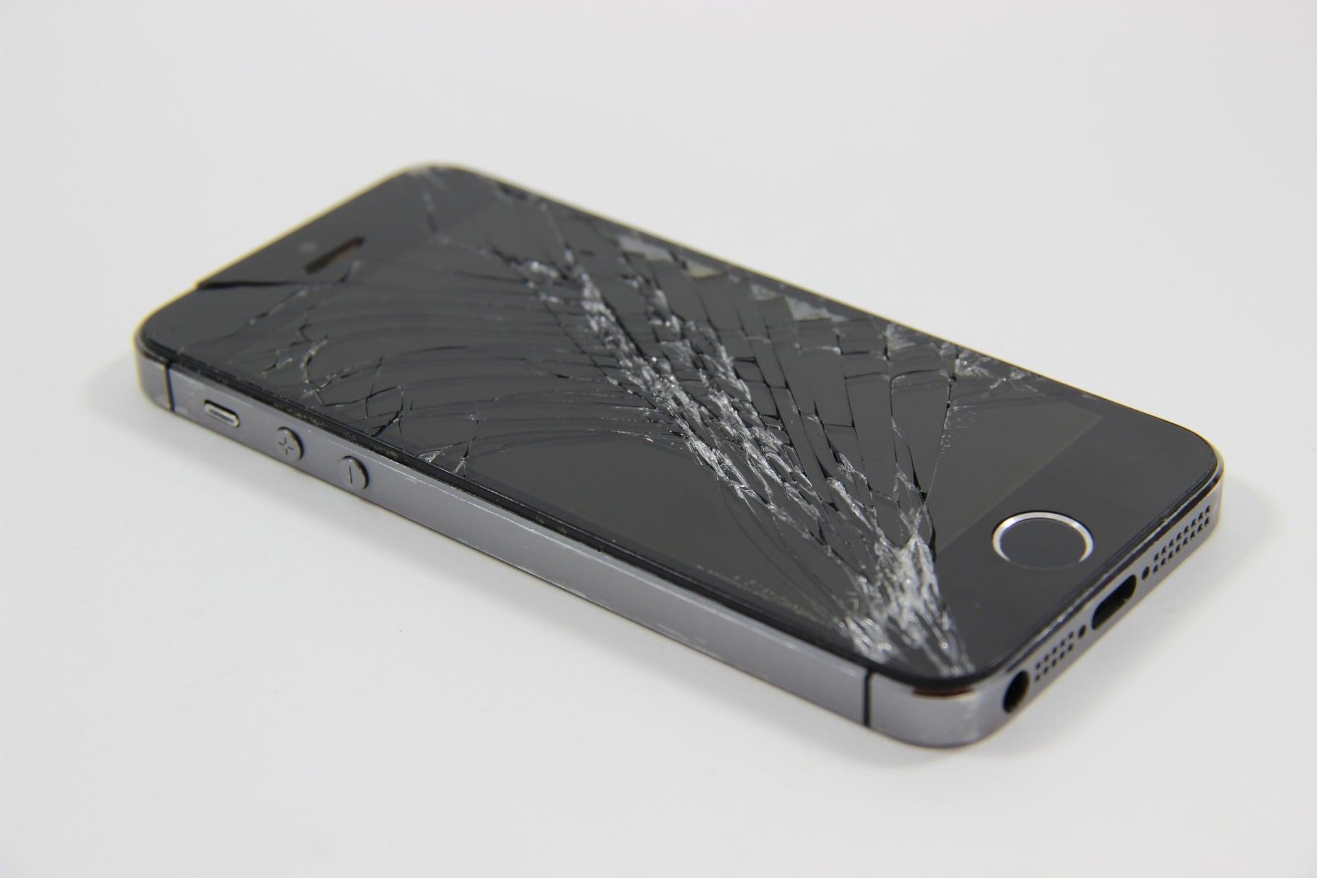 iPhone rozbity wyświetlacz ekran