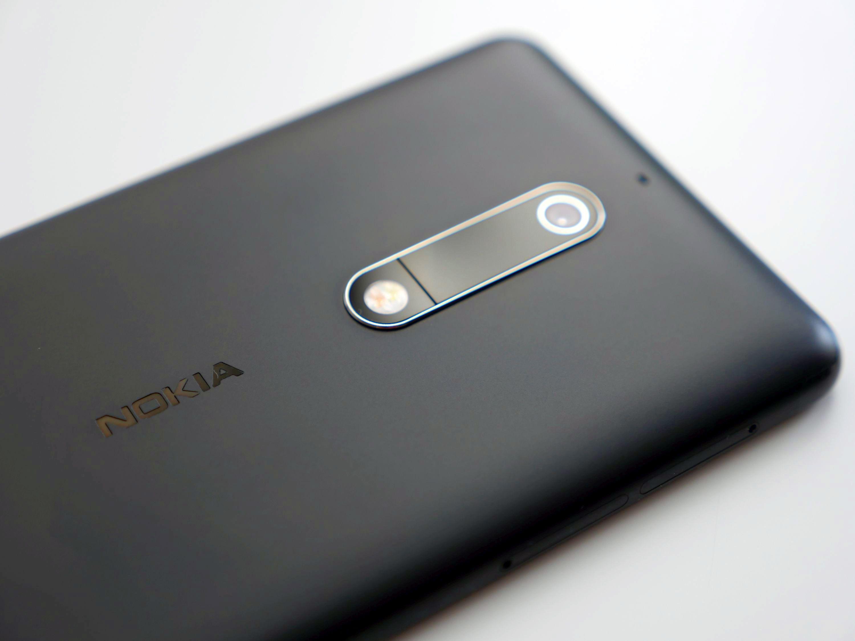 Jaki smartfon do 600 złotych warto kupić? (marzec 2019)