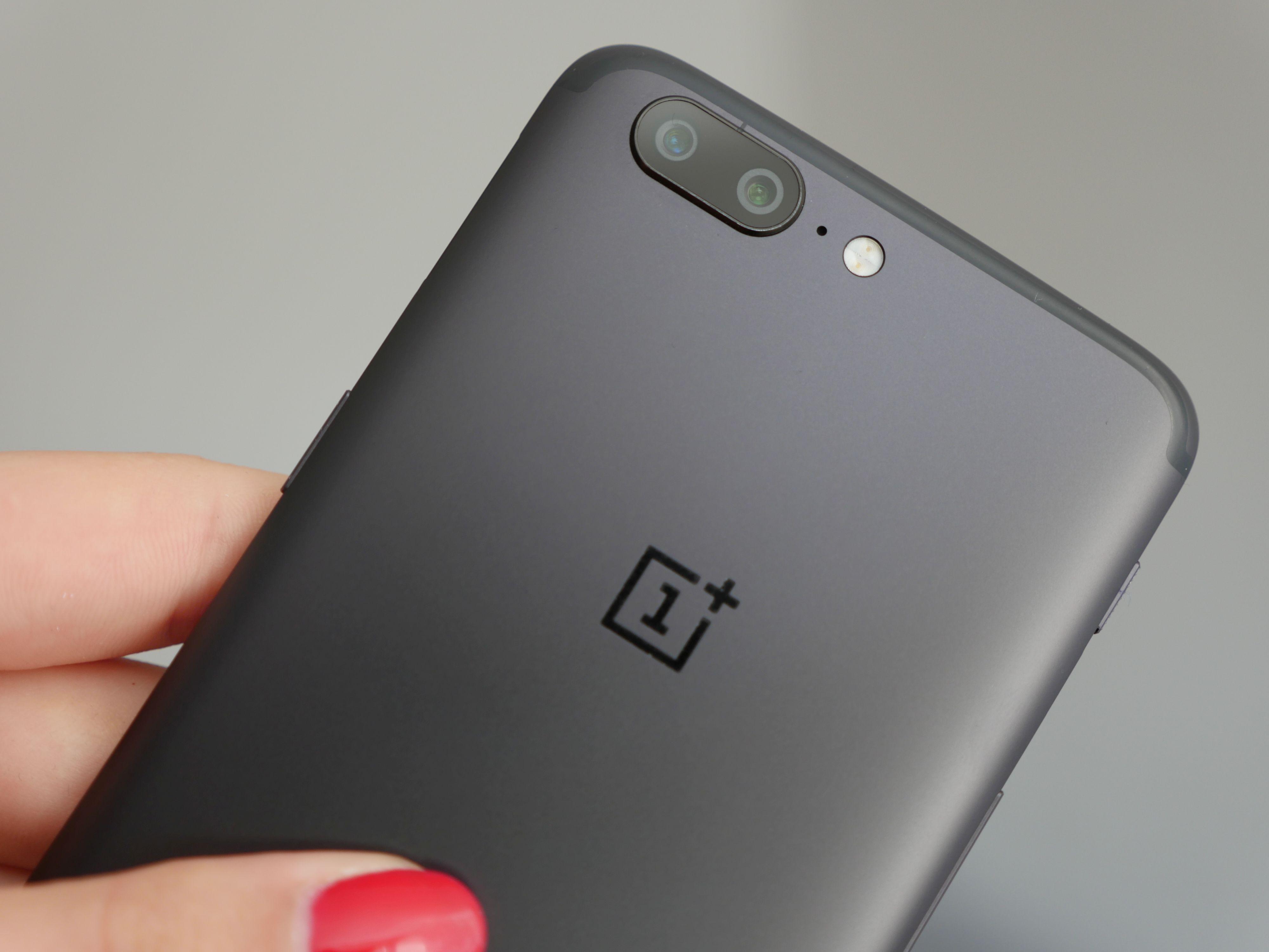"""Recenzja OnePlus 5 - dajcie już spokój z tym """"zabójcą flagowców"""""""