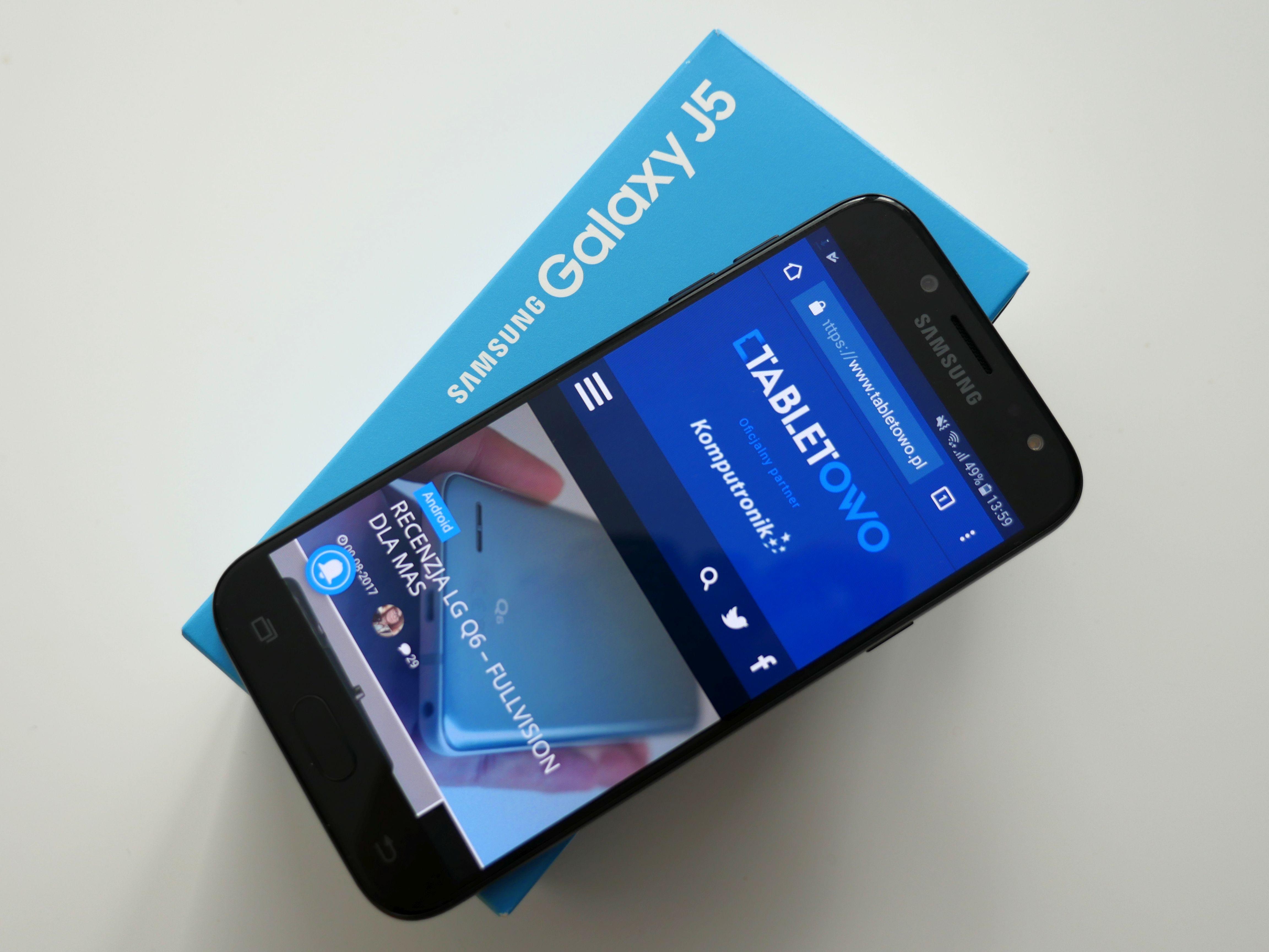 Tabletowo.pl Prezent na Pierwszą Komunię nie musi być szalenie drogi, aby był dobry - sprawdźcie te propozycje Android Huawei Lenovo Promocje Samsung Smartfony