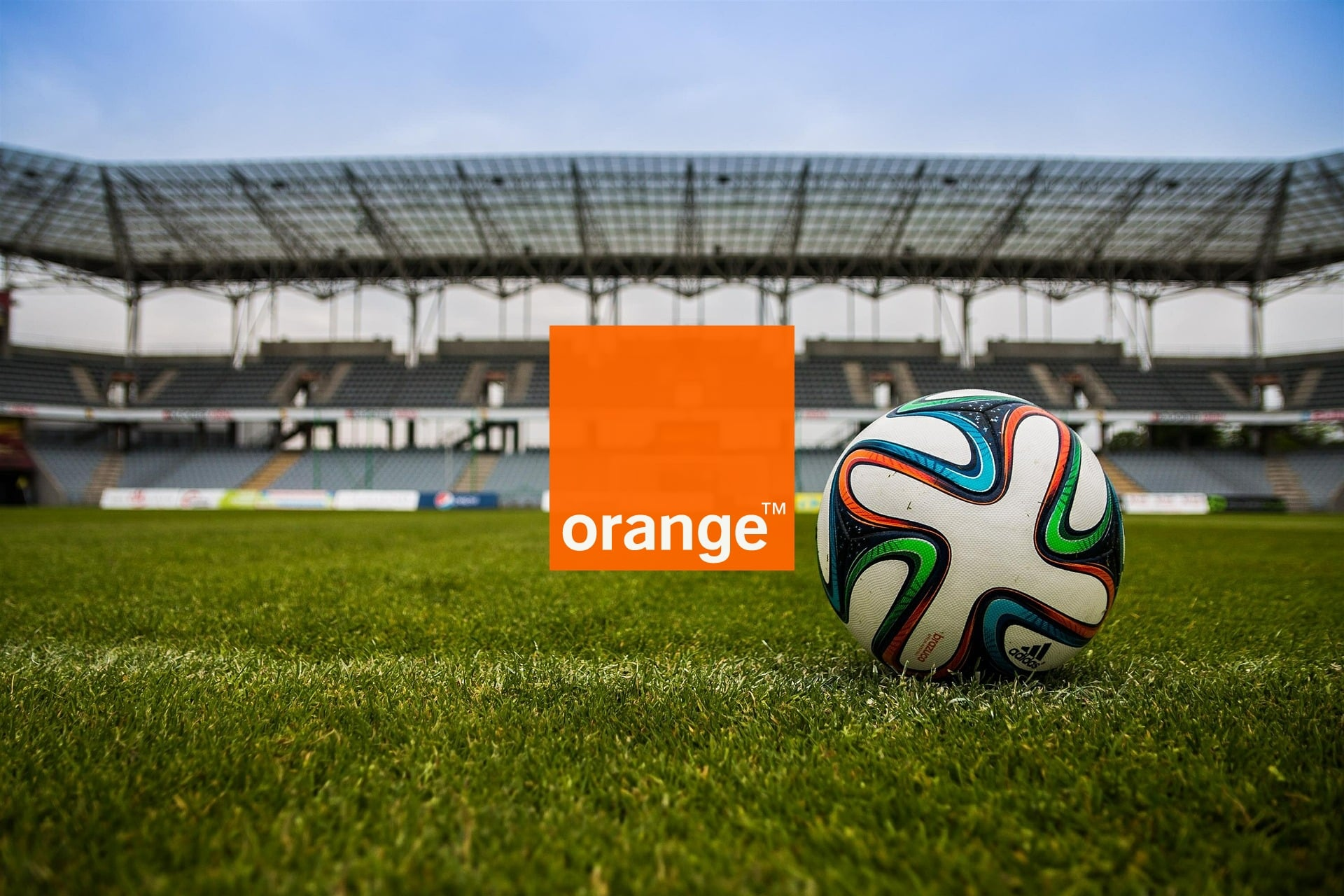 piłka stadion mecz logo Orange