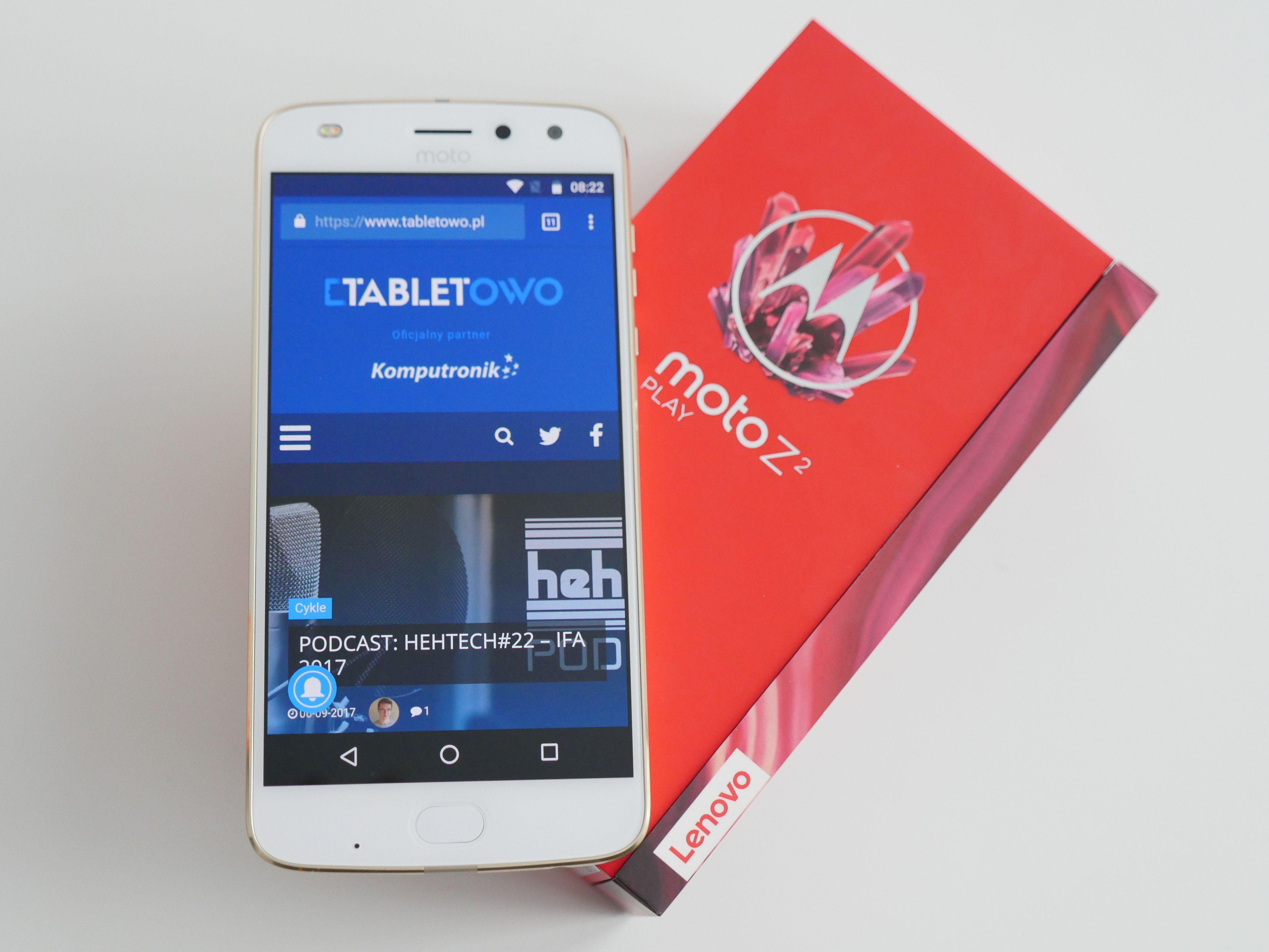 Motorola Moto Z3 Play uchwycona na zdjęciach zdradzających jej ostateczny wygląd 31