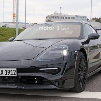 Tabletowo.pl Porsche nie żartuje. Na serio chce rzucić wyzwanie Tesli i produkować elektryczne samochody Moto