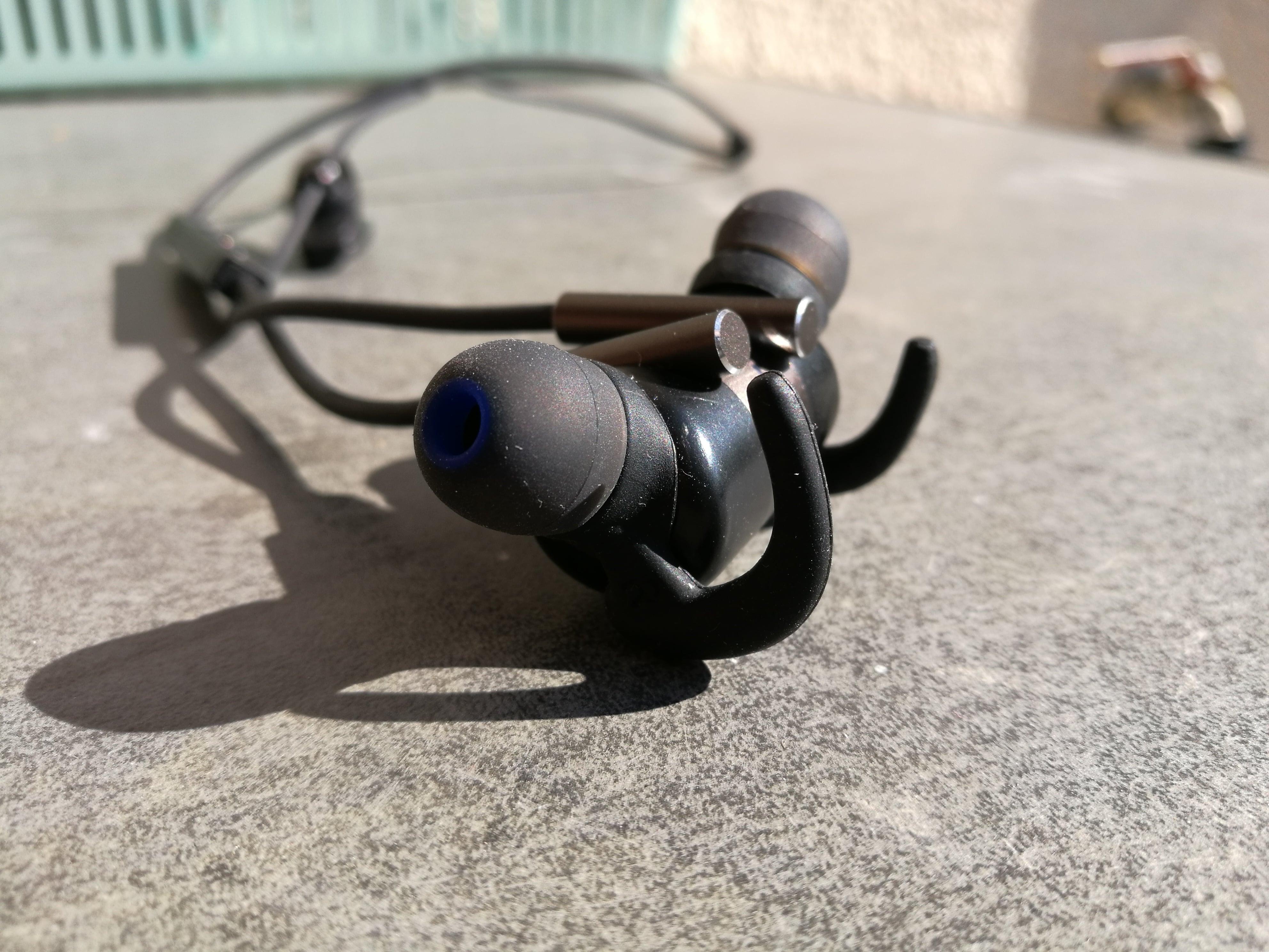 Recenzja bezprzewodowych słuchawek Bluetooth Snab Overtone EP-82M BT 19