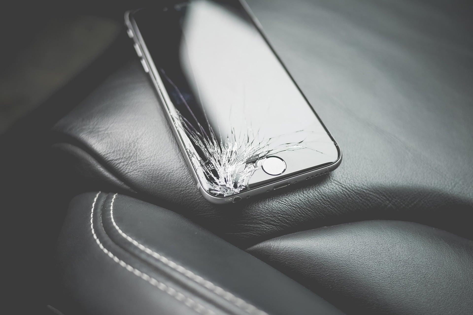 Czy mojego iPhone'a da się naprawić? Dowiesz się przed zakupem