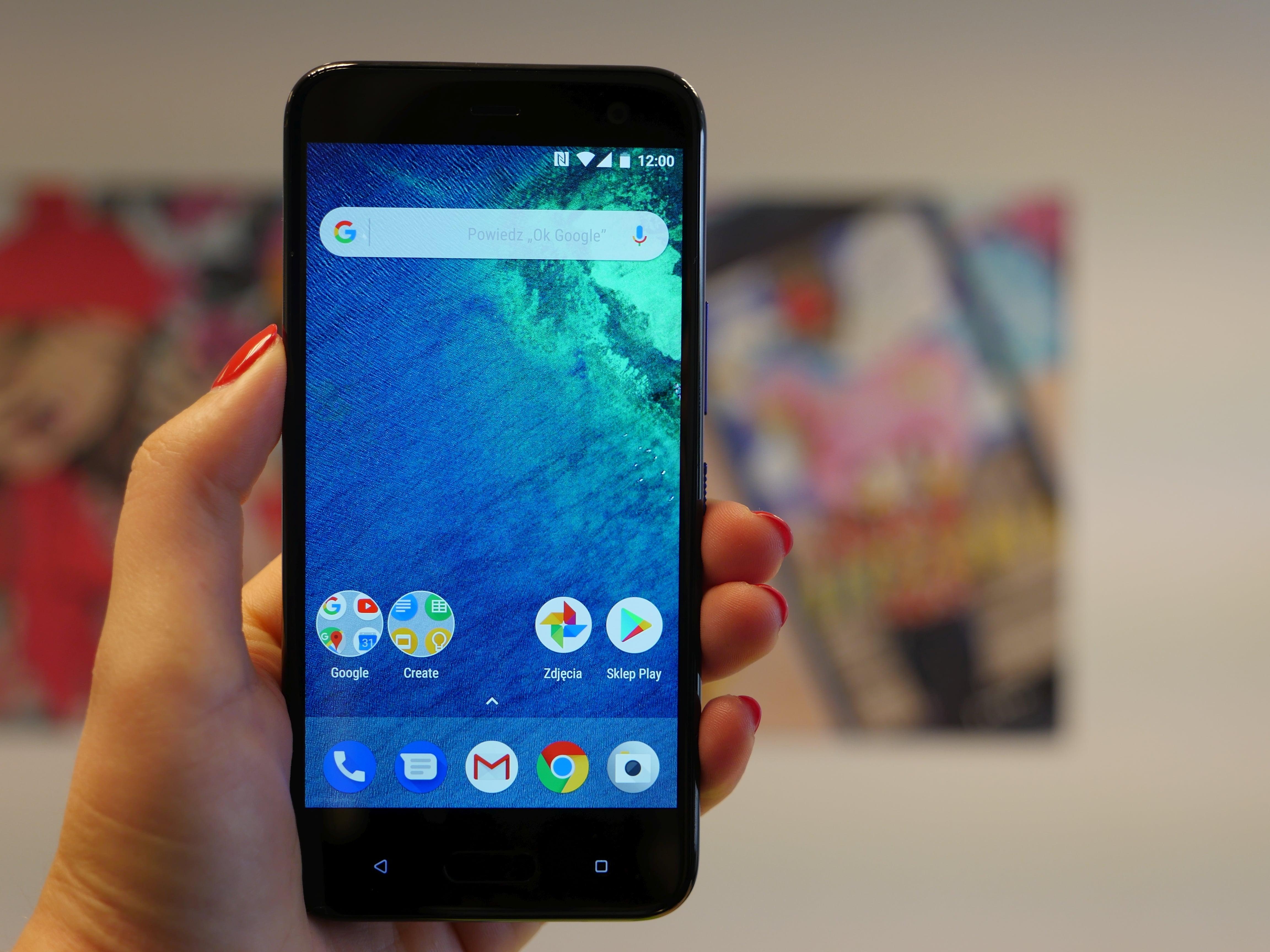 Tabletowo.pl Jaki smartfon kupić do 900 złotych? (październik 2018) Android Co kupić Cykle HTC Huawei Meizu Smartfony Xiaomi