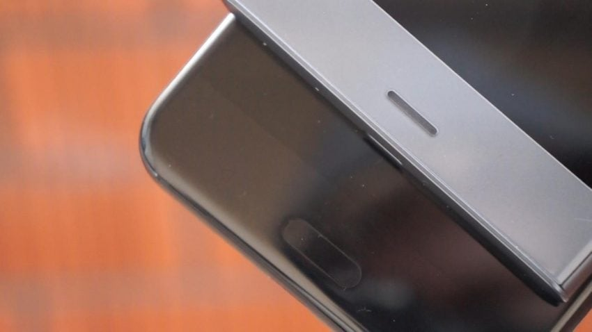 """Tabletowo.pl HTC U11 czy Sony Xperia XZ1? Porównanie dwóch """"tradycyjnych"""" smartfonów z najwyższej półki Android HTC Porównania Smartfony Sony"""