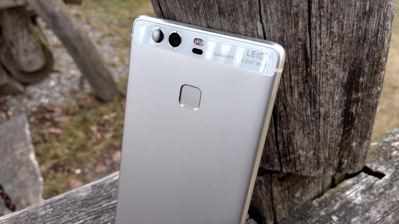 Tabletowo.pl Huawei P9 ma już dwa lata, a właśnie dostał nowsze poprawki zabezpieczeń, znowu! To się nazywa wsparcie Aktualizacje Android Huawei Smartfony