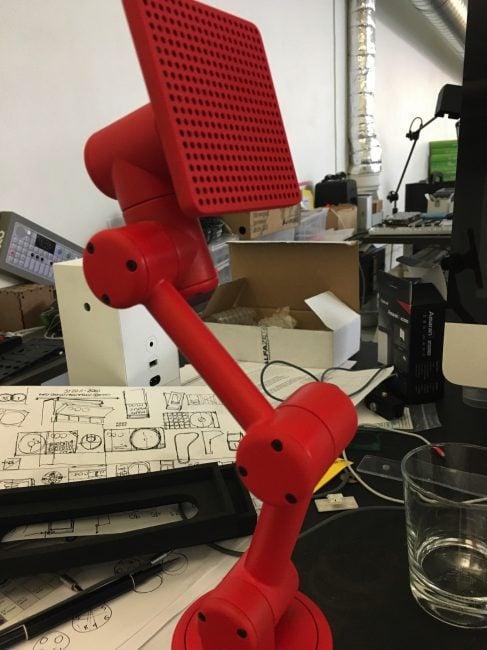 Tabletowo.pl Chcieliście innowacji? Oto inteligentny głośnik, który się rusza i patrzy na ciebie, gdy do niego mówisz Ciekawostki