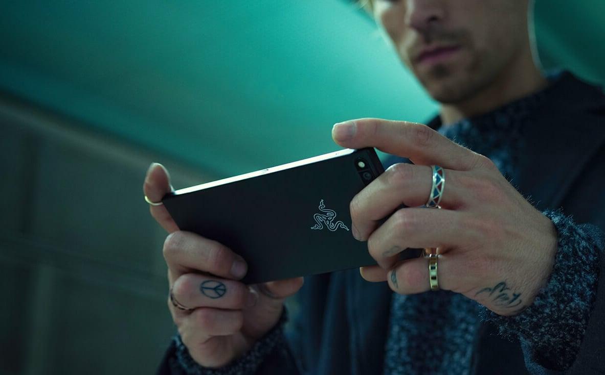 Tylko w ten weekend kupicie Razer Phone w Play taniej. Bez umowy także! 16