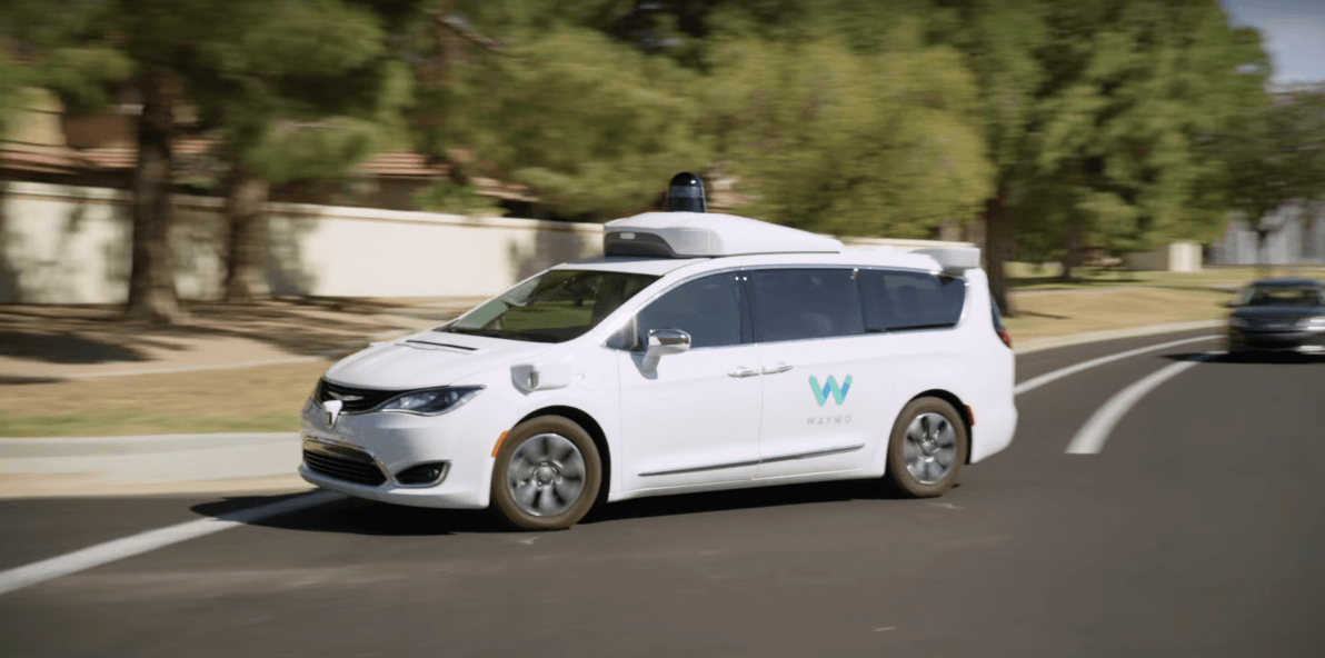 Pierwsze autonomiczne taksówki bez kierowcy wożą już ludzi po Phoenix. Przyszłość jest przerażająco genialna 26