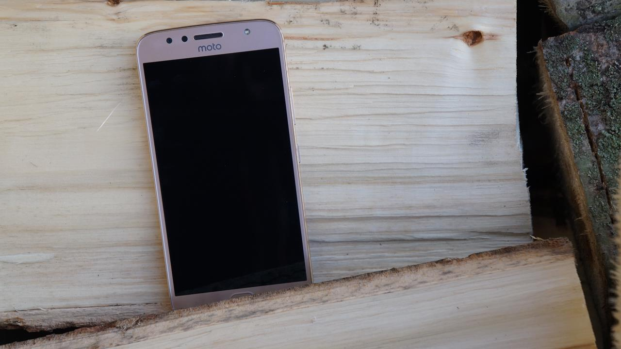 Test typowego średniaka, czyli recenzja Moto G5S Plus 22