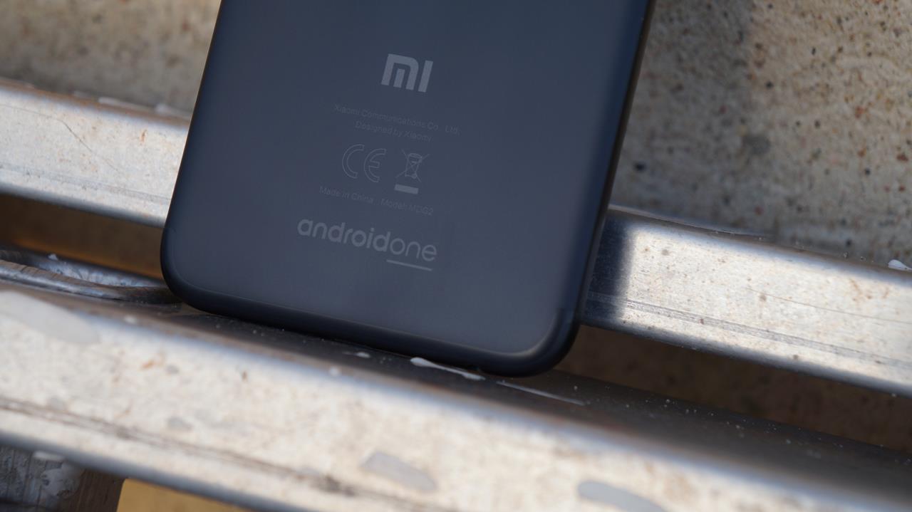 Kiedy najwięksi producenci notują spadki sprzedaży smartfonów, Xiaomi zalicza wzrost o... prawie 100% 24