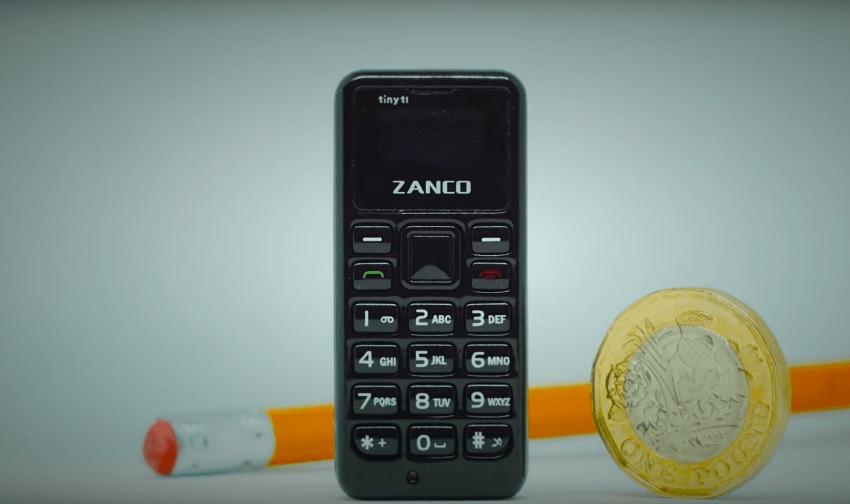 Tabletowo.pl Najmniejszy telefon komórkowy świata wywołuje uśmiech na twarzy. Jakie to malutkie! Ciekawostki