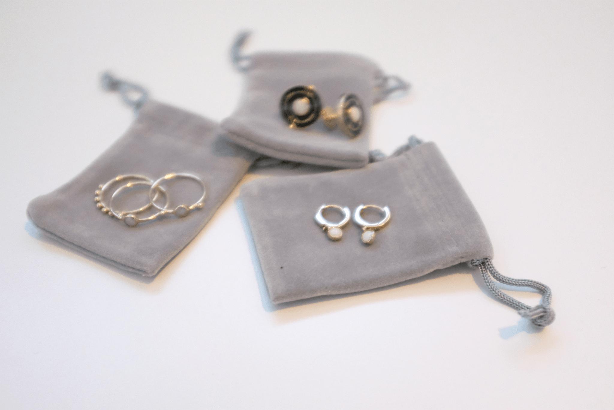 Biżuteria dla prawdziwych geeków - Dell robi pierścionki ze ze złota pozyskanego z komputerowych części 16