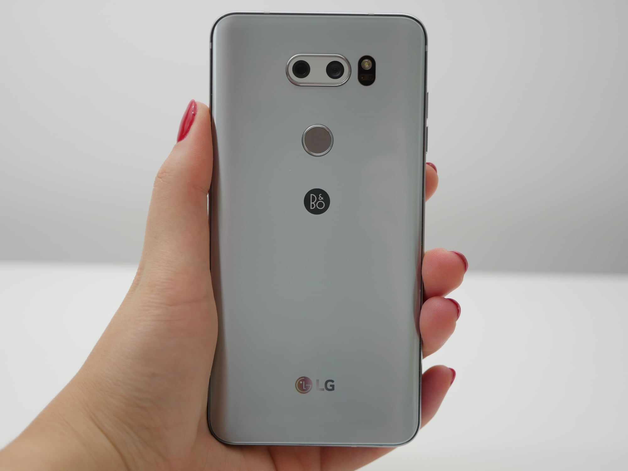 Tabletowo.pl Niemiecki Amazon nie zawodzi - LG V30 również sprzedaje w wyjątkowo niskiej cenie Android LG Promocje Smartfony