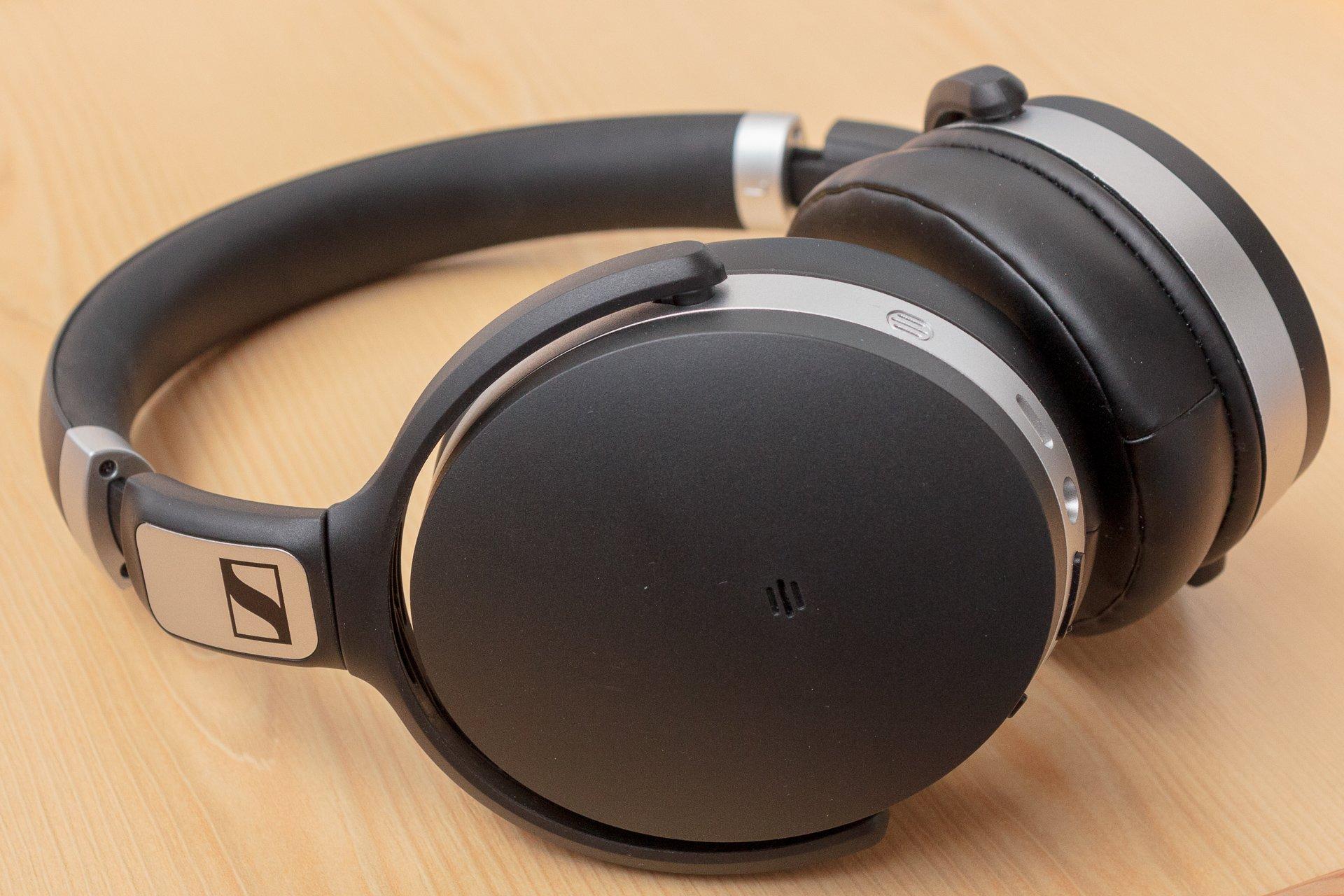 Recenzja Sennheiser HD 4.50 BTNC - doskonały dźwięk w wielkiej obudowie 23