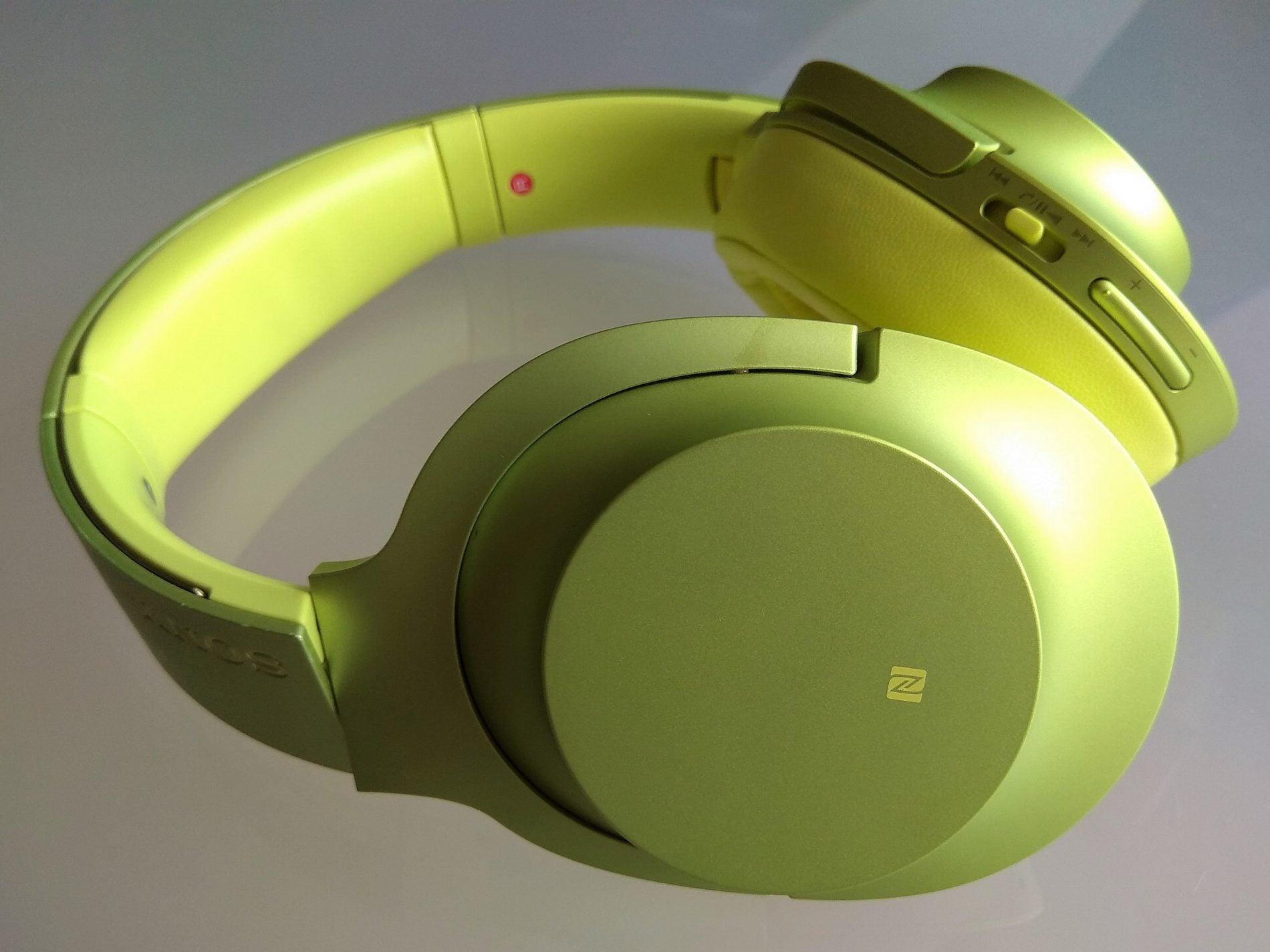 Recenzja słuchawek bezprzewodowych Sony MDR-100ABN. Dobre decyzje brzmią właśnie w ten sposób 18