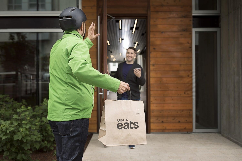 Uber Eats startuje w Krakowie. Można zamawiać jedzenie z prawie 70 różnych restauracji 24