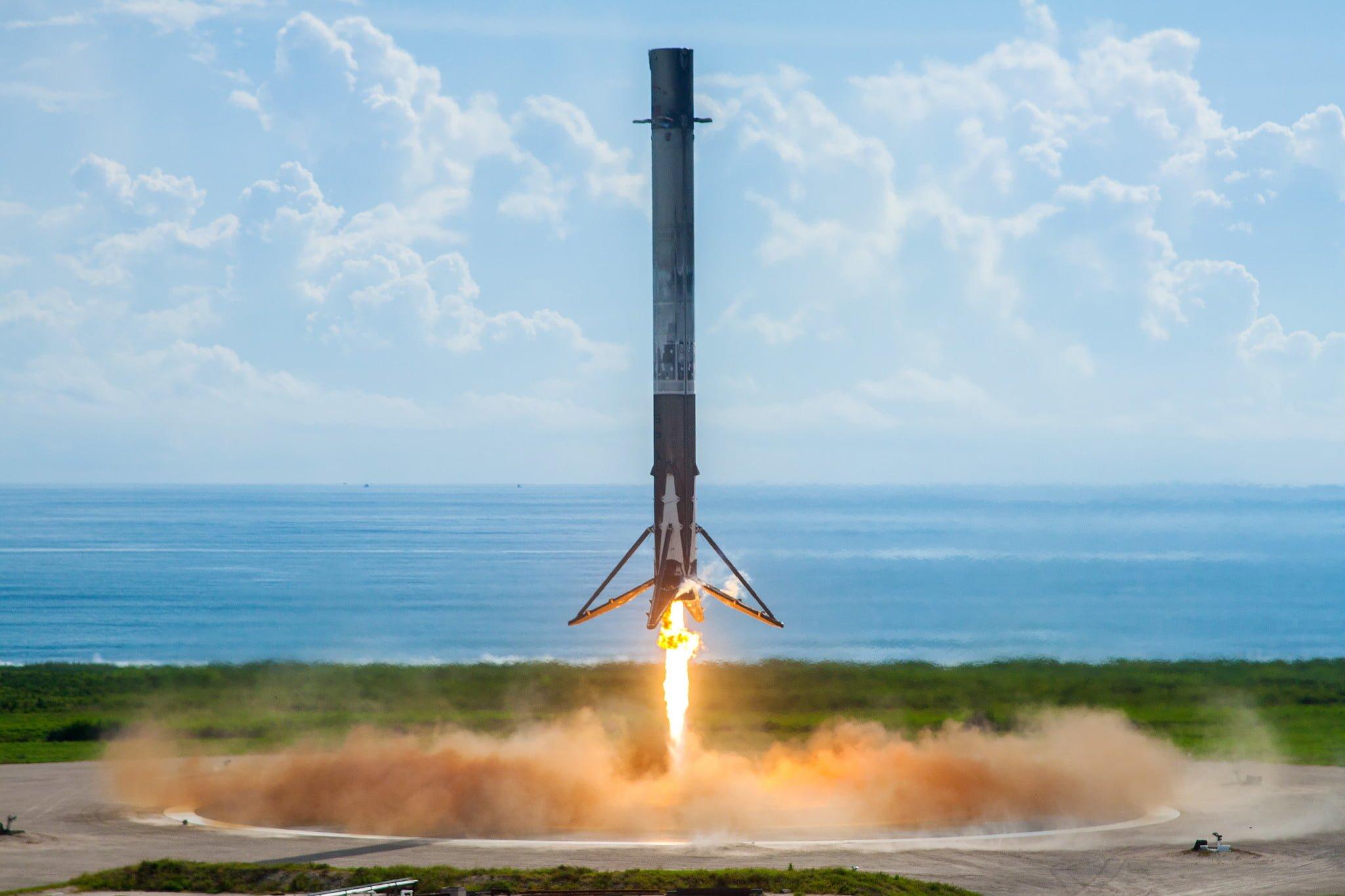 Tabletowo.pl MiniNauka #3: O tym, jak SpaceX wysłało w kosmos Falcona Heavy Ciekawostki Cykle Felietony Nauka Nowości