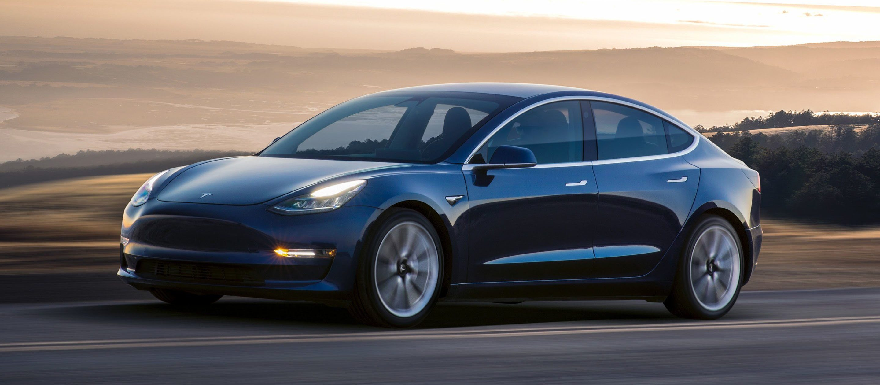 Tesla 3 w końcu za 35000 dolarów. Idą też inne zmiany