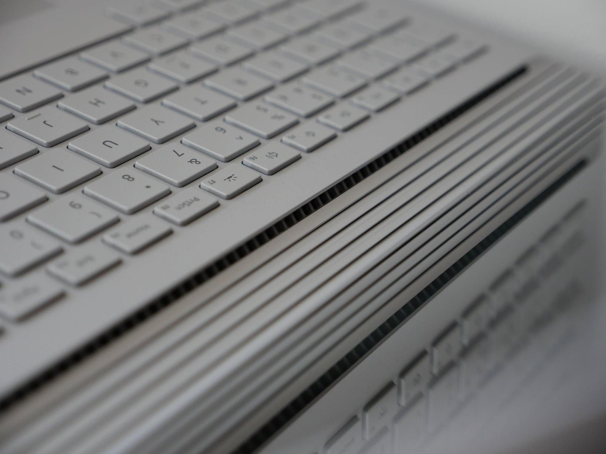 Tabletowo.pl Recenzja Surface Book 2 - najdroższej, najbardziej nietypowej i jednocześnie najlepszej hybrydy dostępnej na rynku Hybrydy Laptopy Nowości Recenzje Windows