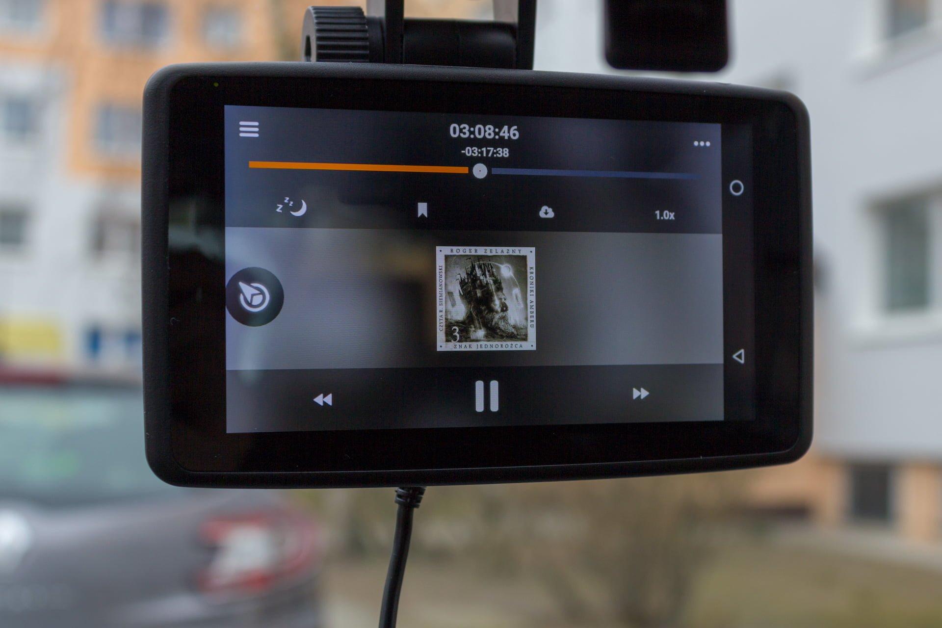 Recenzja NavRoad UNI, czyli co się stanie, gdy nawigacja spotka smartfona i kamerę 30