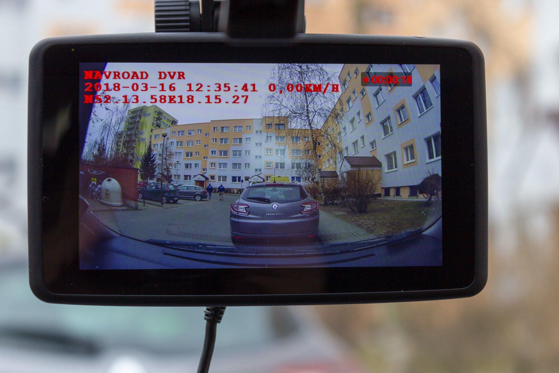 Recenzja NavRoad UNI, czyli co się stanie, gdy nawigacja spotka smartfona i kamerę 31