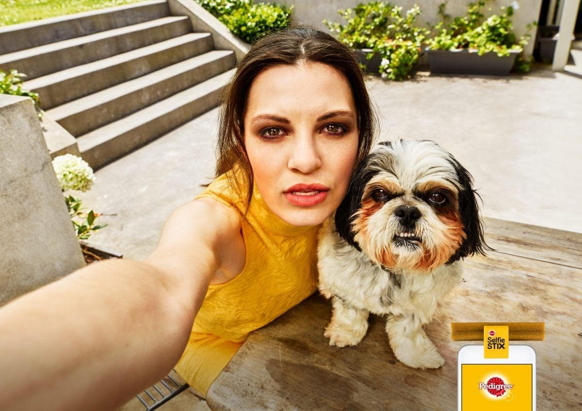 Gadżet do robienia selfie z psami. Wiem, że to nie jest nowy pomysł, ale bawi mnie niezmiennie 26