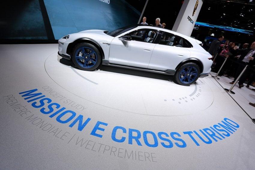 Porsche Mission E i Mission E Cross Turismo - szybka jazda bez obaw o stan akumulatora 24