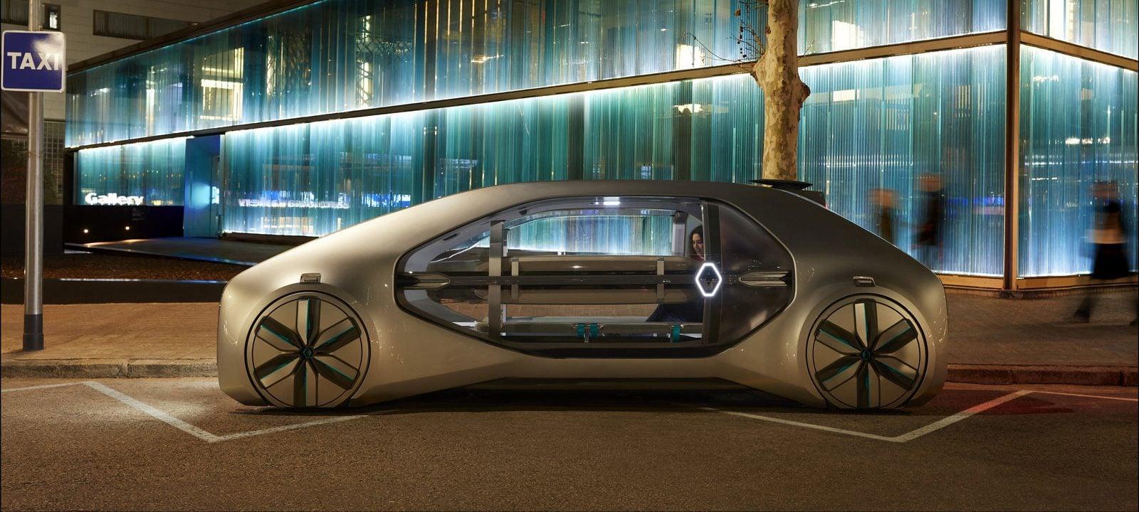 Renault EZ-GO to taka trochę taksówka, a trochę autobus. Ale oczywiście z autonomią na pokładzie 24