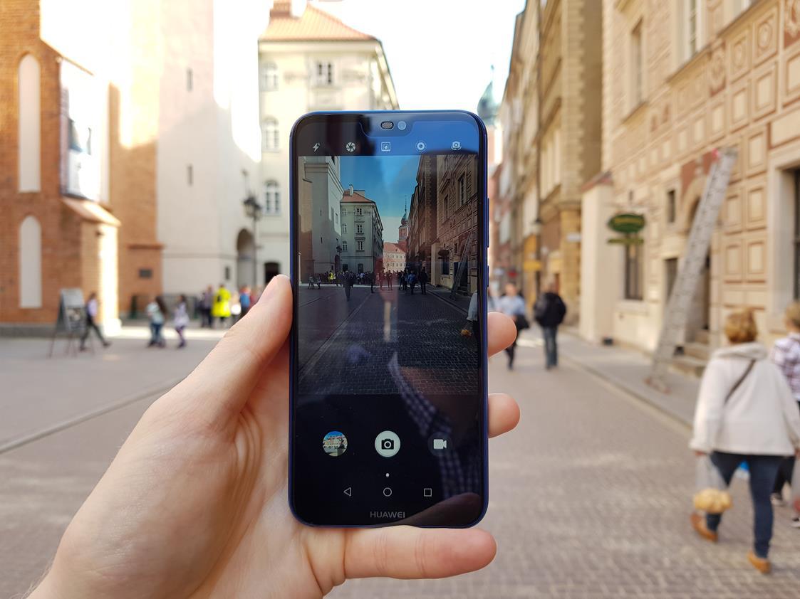 Huawei P30 Lite też będzie miał potrójny aparat, jak P30, ale czytnika w ekranie już nie 17