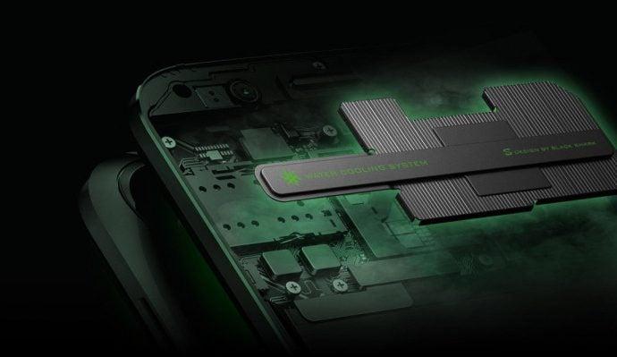 Tabletowo.pl Xiaomi Black Shark oficjalnie. To gamingowy smartfon z chłodzeniem cieczą i odłączanym padem Nowości Smartfony Xiaomi