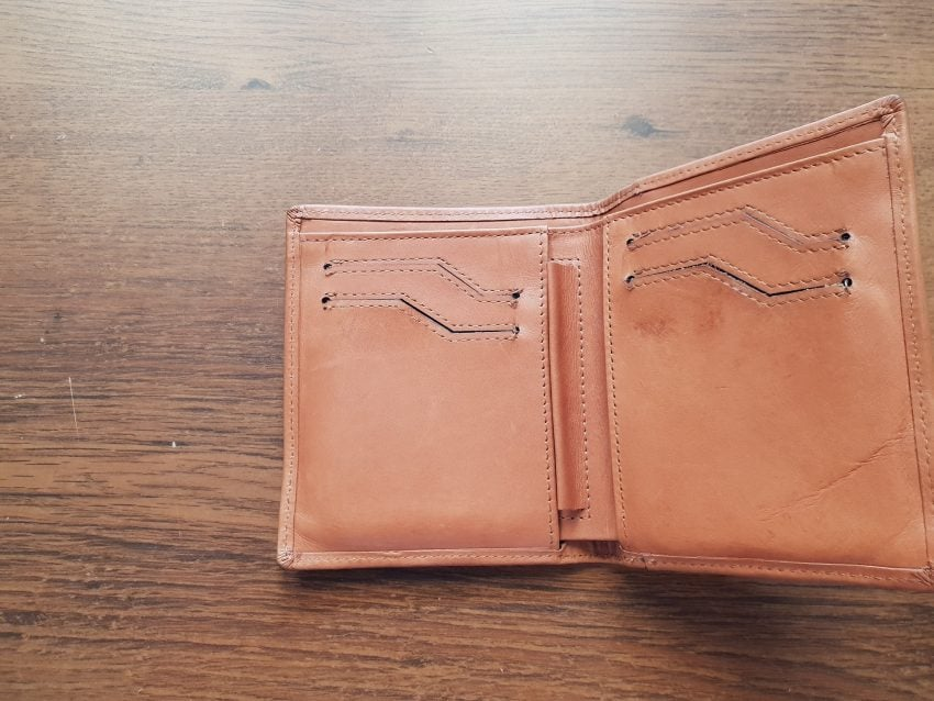 Tabletowo.pl Woolet Woof Glow - jak wygląda życie z inteligentnym portfelem? Recenzje Wearable